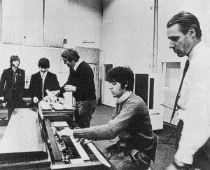 Маккартни изо всех сил игнорирует запись песни Джона Леннона