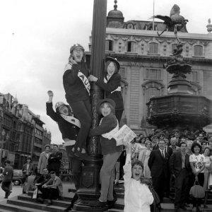 1964.07.06 – London. Pavilion New 01