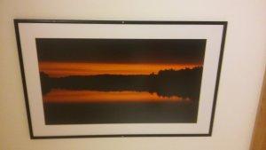 А это пейзажные фотографии - лес, отражающийся в озере. Почему-то именно вертикально, по три в ряд, они висят в коридоре Антокольской поликлиники города Вильнюса. Ладно бы еще в психиатрии, дык ведь нет - в радиологии.