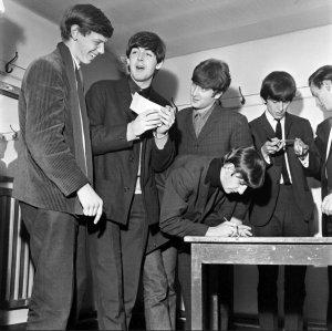 Ещё одно Большое спасибо, Beatles4!  1963.12.01 - Leicester. De Montfort Hall 01