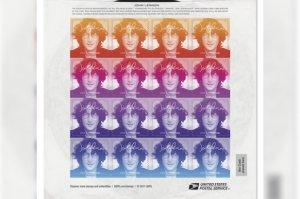 Американская почтовая служба выпустила серию марок с портретом Джона Леннона.