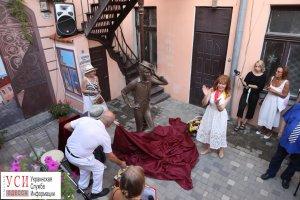 В Одессе открыли памятник молодому Утесову (фоторепортаж):