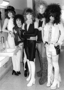 (L-R) David Johansen, Syl Sylvain, Jerry Nolan, Arthur Kane and Johnny Thunders of The New York Dolls in a Santa Monica Bathroom in Santa Monica, CA. March 19, 1974. © Bob Gruen /