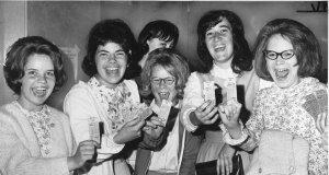 Есть билеты на концерт Битлз! Boston, Massachusetts 1964