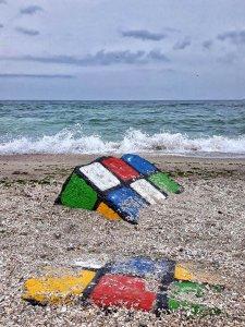 На одесском пляже появился новый арт-объект