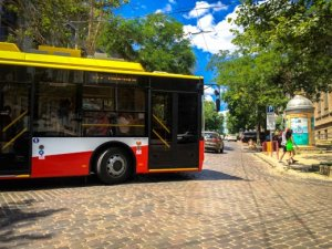 Цвет троллейбуса - цвета флага Одессы