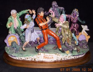 https://www.ebay.com/itm/Michael-Jackson-Thriller-Capodimonte-only-6-ever-made/223255177436?hash=item33fb0ba8dc:g:mCYAAMXQJRhRcX8C
