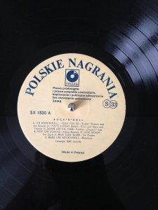 Интересная интерпретация песни That's All Right Mama, совсем не такая как у Элвиса...