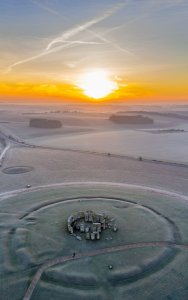 Frosty Stonehenge, Wiltshire by Nick Bull