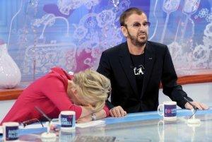 11 января 2012, Лондон. Ринго Старр принимает участие в передаче 'Loose Women'.