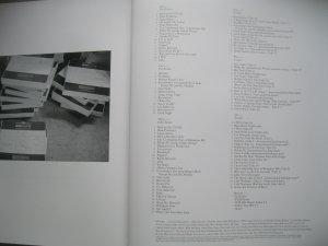 Буду краток. Это всё тот же наш любимый White Album, но только другой:)