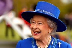 6 февраля 1952 года умер король Георг VI и на трон взошлла его дочь Елизавета II.