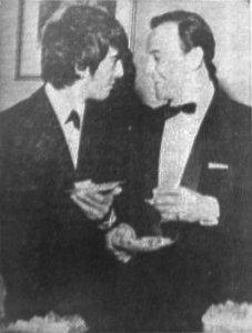 2В и т а л и й:  >Из газеты Disc за 18 июля 1964  Спасибо!  Вырезал снимок