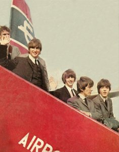 В цвете (см. http://www.beatles.ru/postman/forum_messages.asp?msg_id=27588&cfrom=1&showtype=0&cpage=2#2827191)
