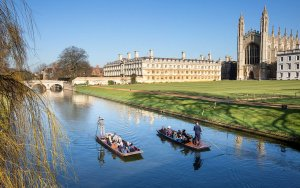 Необычайно тёплые погоды установились в Королевстве на эти выходные. River Cam, Cambridge by Geoff Robinson