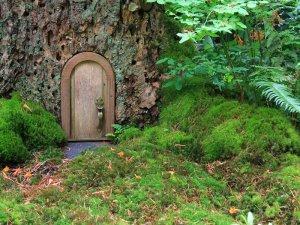 Fairy doors или дверцы для фей.