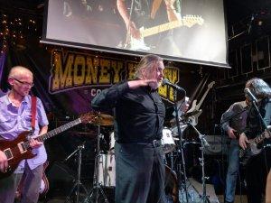 Несколько фоток с последнего сейшна.. Бессменный гитарист Зоо Шура Храбунов и Антроп