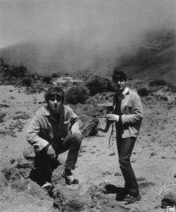 2 мая 1963 Джордж, Пол и Ринго отдыхают на Канарах