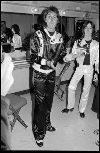 3 мая 1976 г. Пол и Джимми Маккаллох в раздевалке