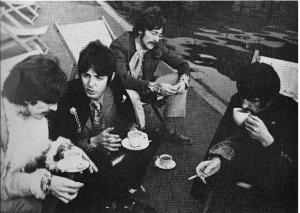 18 сентября 1967 Битлз участвуют в фотосессии в Гайд парке Лондона