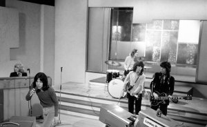 29th November 1968 - UK TV (LWT) Frost On Saturday. Brian's last appearance with the band on television.