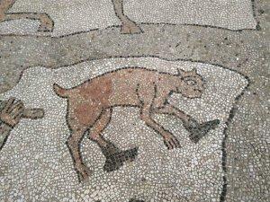 Пётр, эта старинная мозаика вызывала у меня... вопросы... :)