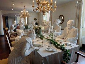 В Сааре городок Меттлах (Mettlach), прославившийся своим фарфором фирмы Villeroy & Boch. Очень интересный музей. Вся история от изящных чайных сервизов до популярных биде и писсуаров. Начали бизнес в 1748 году с чайников, сейчас уверенно продвигают унитазы.