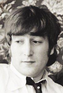 Джон в отеле Astor в Чикаго, первая остановка Битлз в их туре по США 1966 года. 11 августа 1966