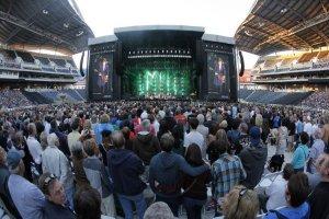 12 августа 2013: Пол Маккартни выступил в Investors Group Field, Виннипег, Канада