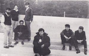 На военном кладбище Арнем в Нидерландах, 16 августа 1960 года