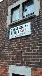 Познакомился в пабе с мужчиной, 1959 года рождения, Лондонцем, по его утверждению, он из Лондона никогда и никуда не выезжал, и всё что ему нужно от жизни, он находит в этом городе!