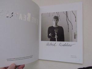 у меня есть каталог её фотографиями , с автографом