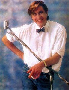 Smash Hits 13 May 1982
