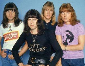 Sweet -fabulous 1975 photoshoot!