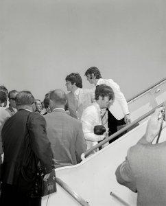 30 августа 1966 Вылетают из Лос-Анжелеса в Лондон.