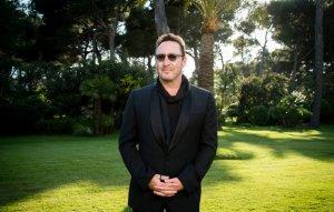 Julian Lennon receives UNESCO Peace Award