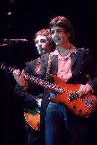 29 ноября 1979 Wings выступили с концертом в Apollo, Ardwick, Манчестер, Англия (Крылья UK Tour).