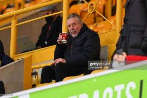 Роберта засекли на домашнем стадионе в Wolverhampton, фото сделано вчера. Заядлый болельщик..