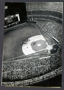 15 августа 1965 Aerial Shot Shea Stadium  Похоже, Битлз еще не вышли на сцену.