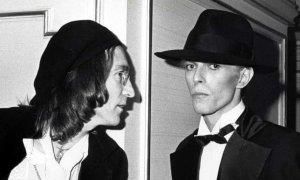 Дэвид был в ужасе: реальная история того, как Боуи встретил Джона Леннона. Новое интервью Би-би-си с продюсером Тони Висконти пересказывает неловкую встречу, которая привела к созданию песни Fame Дэвида Боуи и Джона Леннона, достигшую № 1 в США.