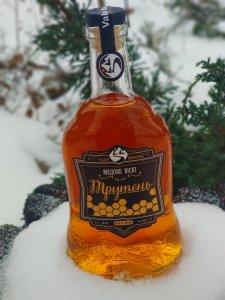 Попробовал такую бормотуху сегодня- типа украинского виски,хотя бы еще градус выдержали, бурда редкая!!!!
