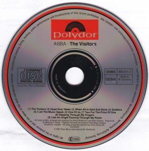 Самый старый (по изготовлению) CD, из имеющихся у меня, это последний альбом ABBA The Visitors, напечатанный в августе '82 года. Он к тому же, насколько я знаю, является самым первым альбомом популярной музыки, изданным на CD. Никаких претензий к звучанию не имеется. Звучит и выглядит безупречно.