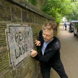Здесь был Пол...