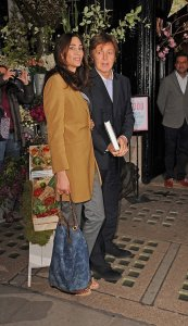 3 мая 2012 Нэнси Шевелл и сэр Пол Маккартни 3 мая 2012 года в Лондоне, Англия.