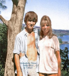 4 мая 1964: Джордж и Патти отдыхают на Таити