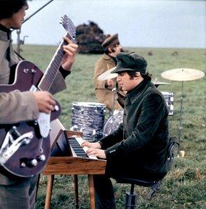 Фото: 3-5 мая 1965 на съёмках Help!