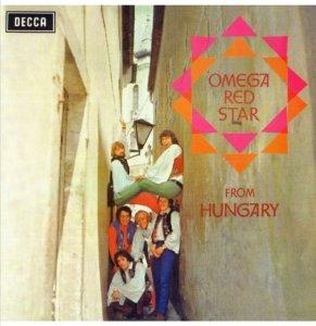 Но тут грянул август 1968 года — ввод советских войск в Чехословакию. На фоне политического обострения Omega были вынуждены вернуться в Будапешт — и записывать очередной альбом уже дома и на венгерском языке.