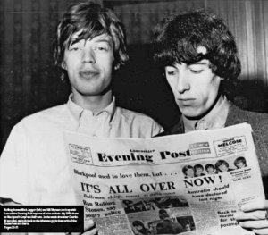 Ретро-приложение из Lancashire Evening Post от 1 сентября 2021 года. Фотография Мика и Билла после инцидента в Блэкпуле 24 июля 1964 года.