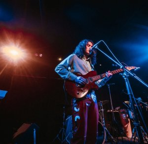 Молодой питерский коллектив Underhood имеет репутацию одной из самых интересных групп на российской сцене за счет своего высокого профессионализма и зажигательных выступлений.