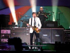 25 октября 2014 Пол Маккартни выступает с концертом на арене Veterans Memorial Arena, Джексонвилл